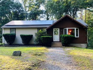 26 Orchard Dr, Thompson, CT 06277