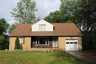 1565 Crest Rd, Cleveland Heights, OH 44121