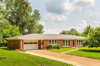 9439 Indian Meadows Dr, Saint Louis, MO 63132