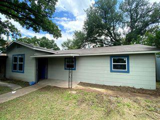 607 SW 18th St #A, Mineral Wells, TX 76067