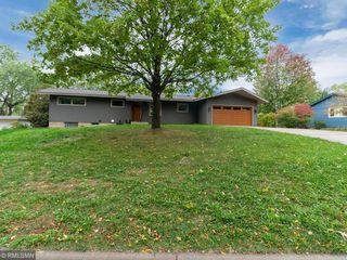 2131 Windsor Way, Golden Valley, MN 55422