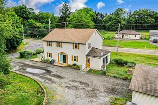 464 Hickernell Rd, Ellwood City, PA 16117
