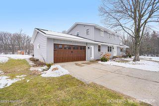 3865 Breton Rd SE, Grand Rapids, MI 49512