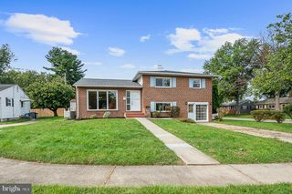 6205 Lakemont Ct, Catonsville, MD 21228