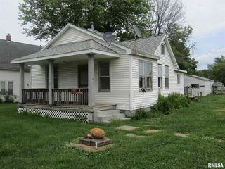 301 N Fulton Ave, Saint David, IL 61563