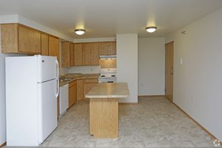 714 20th St NW, East Grand Forks, MN 56721