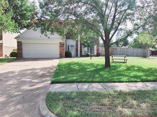 403 Newberry St, Grand Prairie, TX 75052