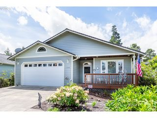 1948 Seabrook Ln, Florence, OR 97439