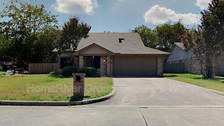2401 Channing Dr, Grand Prairie, TX 75052
