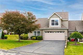 2004 Trotwood Ct, Jeannette, PA 15644