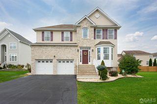34 Violet Ct, Monroe Township, NJ 08831