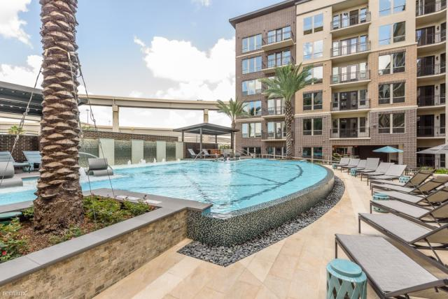 Town And Country Houston >> 800 Town And Country Blvd Houston Tx 77024 1 Bed 1 Bath 32