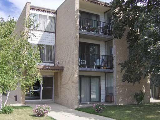 4901 36th Ave, Kenosha, WI 53144 - Multi-Family Home - 10 Photos