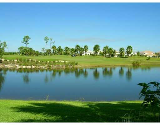 1152 Oakwater Dr, Royal Palm Beach, FL 33411