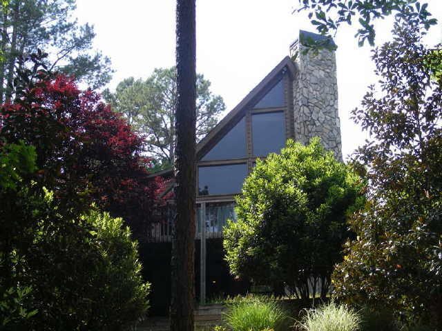 373 Pelican Cove Rd, Westminster, SC 29693 - 4 Bed, 3 Bath