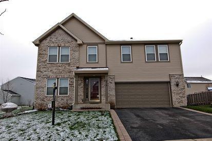 679 Glen Cove Ln, Pingree Grove, IL 60140