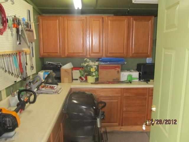 916 Forestdale Ave, South Fulton, TN 38257 - 1 5 Bath Single