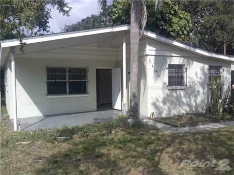 2404 E Cayuga St, Tampa, FL 33610