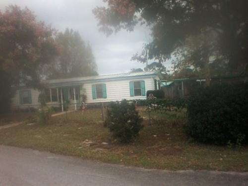 12024 Lakeview Dr, Leesburg, FL 34788