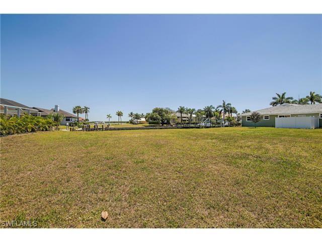 447 Balsam Ct, Marco Island, FL 34145