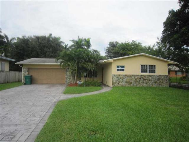 225 NE 156th St, Miami, FL 33162
