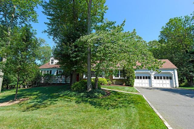 1 Trafalgar Dr, Livingston, NJ 07039 - Single-Family Home