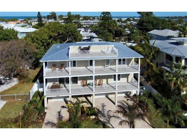 106 4th St S, Bradenton Beach, FL 34217 - 6 Bed, 5 Bath Single