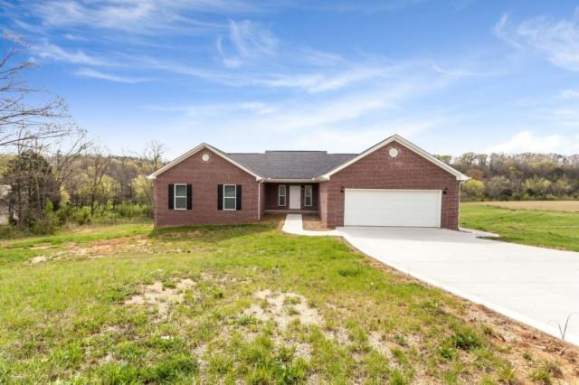 2082 Creswell Rd, Seymour, TN 37865 - 2 5 Bath Single-Family