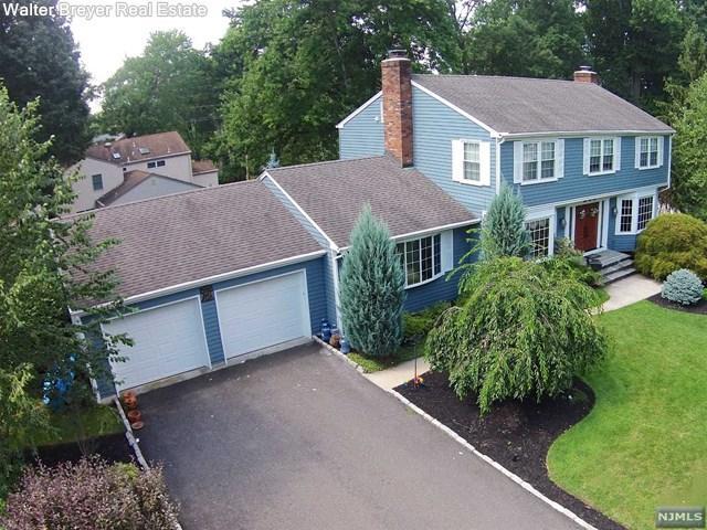847 Hennigar Pl, Oradell, NJ 07649 - Single-Family Home - 25