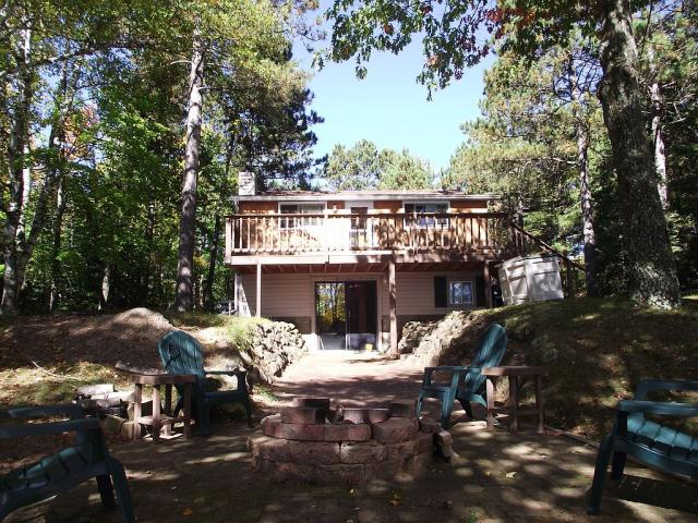 6679 D And L Lake Rd, Lake Tomahawk, WI 54539 - 2 Bed, 1