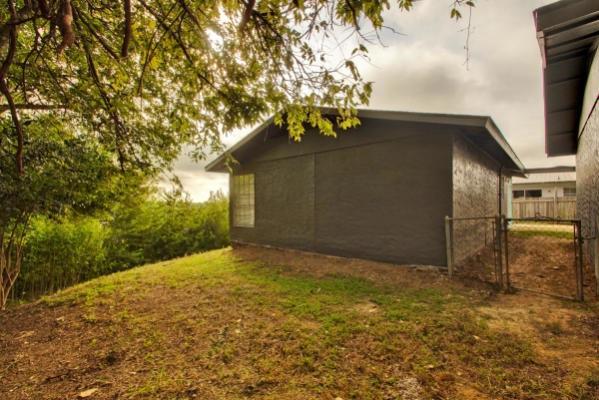 6200 Hyside Dr, Austin, TX 78723 - 3 Bath Multi-Family Home
