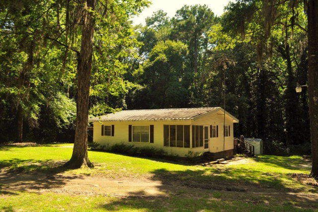 114 Red Rd Wray Ga 2 Bed 1 Bath Single Family Home