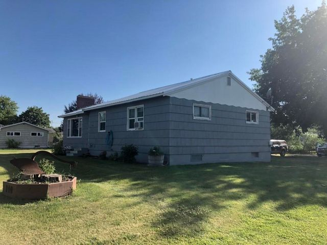 140 Birch Dr, Kalispell, MT 59901 - 3 Bed, 2 Bath Farm/Ranch
