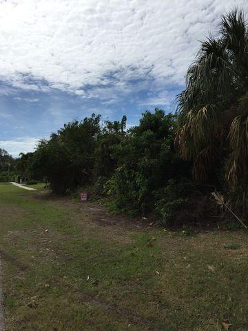 820 Caxambas Dr, Marco Island, FL 34145