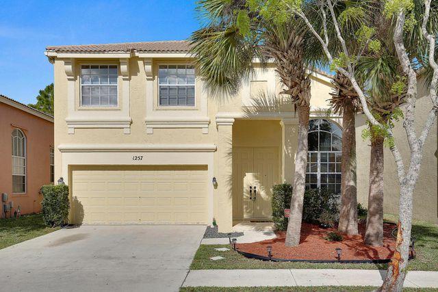 1257 Oakwater Dr, Royal Palm Beach, FL 33411