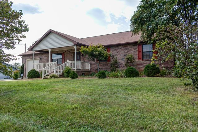 1526 Boyds Creek Hwy, Seymour, TN 37865 - 2 Bath Single