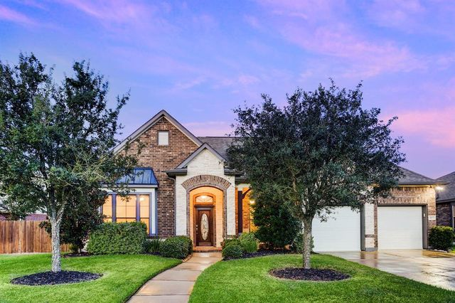 3103 W Trail Dr, Pearland, TX 77584 - Single-Family Home