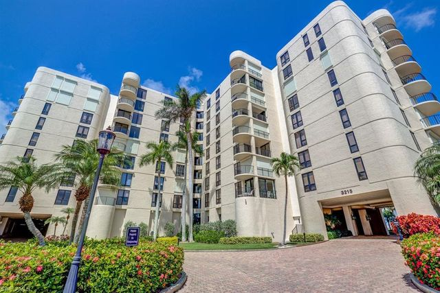 3215 Gulf Shore Blvd N #510N, Naples, FL 34103 - Condo - 35 Photos