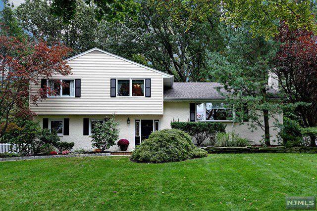 7 Ravine Dr, Woodcliff Lake, NJ 07677 - Single-Family Home