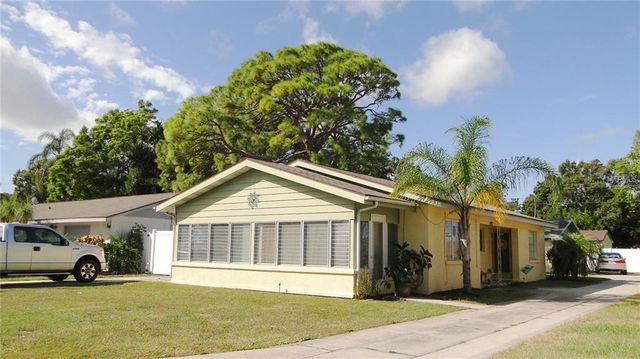 1708 28th St W, Bradenton, FL 34205 - 3 Bed, 2 Bath Multi