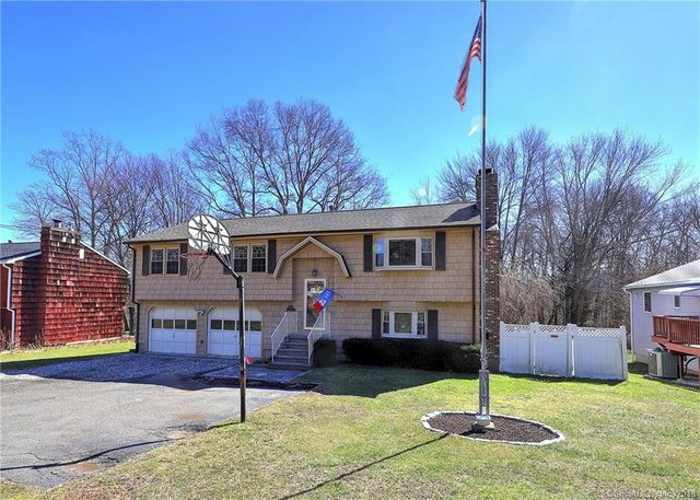 959 New Haven Ave Milford Ct 06460 4 Bed 35 Bath Single Family