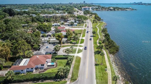 Why Edgewater Keeps Reminding Me Of >> 1985 Edgewater Dr Clearwater Fl 33755 Single Family Home 24
