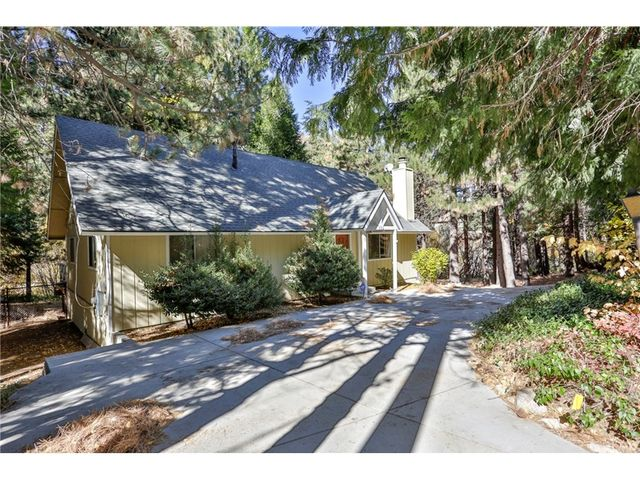 352 Grass Valley Rd, Lake Arrowhead, CA 92352 - 2 Bed, 1