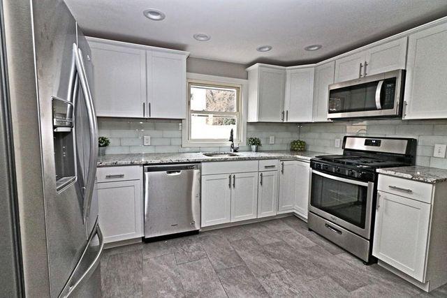 22 Highland Ave, Salem, MA 01970 - 3 Bed, 1 Bath Single