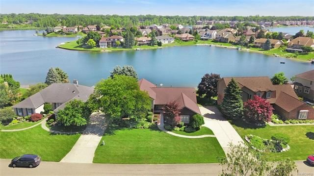 51148 Forster Ln Shelby Township Mi 48316