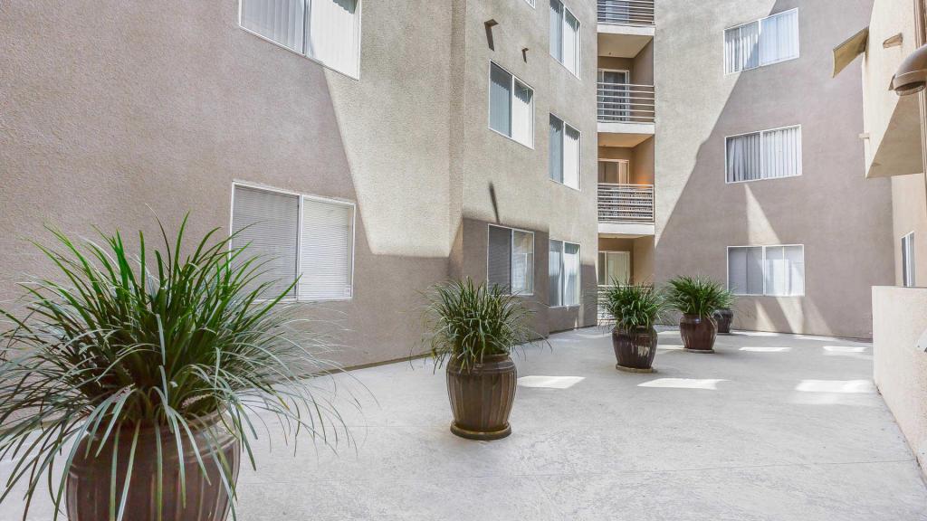 345 S Alexandria Ave, Los Angeles, CA 90020
