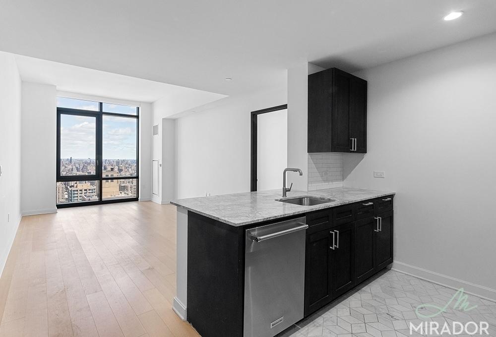 21 W End Ave #1, Manhattan, NY 10023