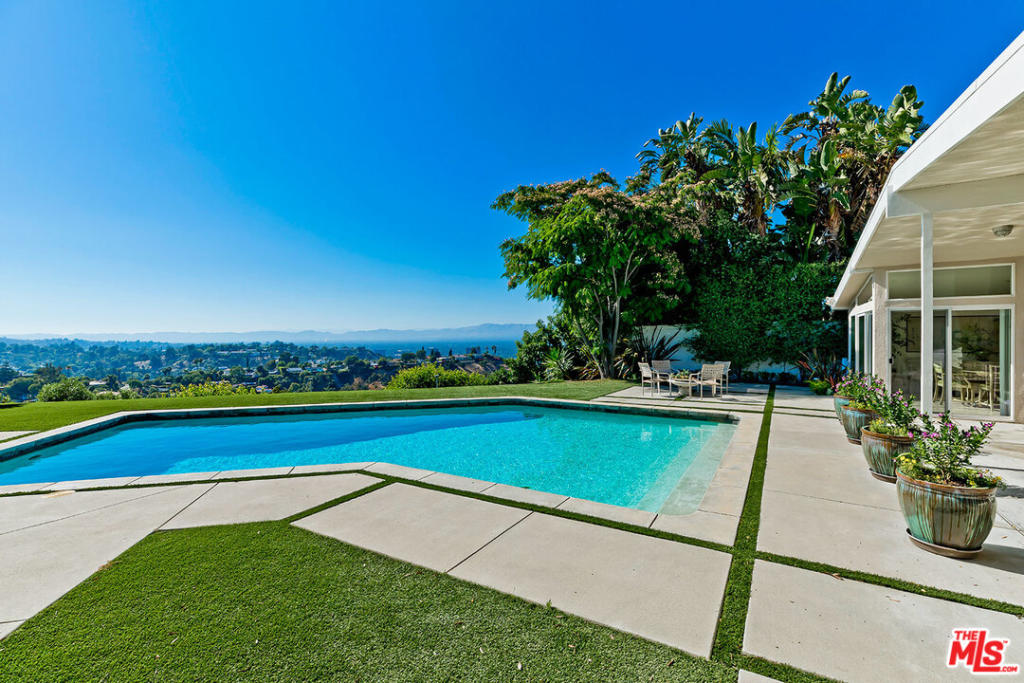 3849 Cody Rd, Sherman Oaks, CA 91403