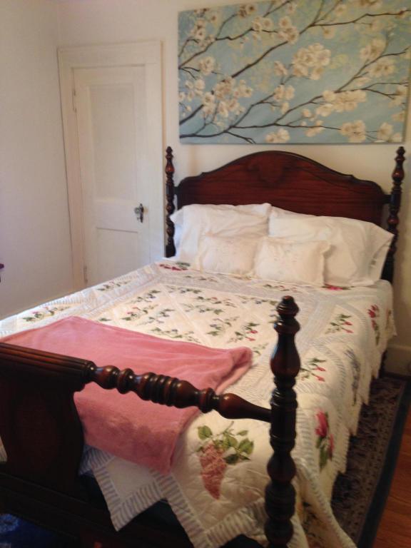 3232 Collingwood St NE, Roanoke, VA 24012 - 3 Bed, 2 Bath