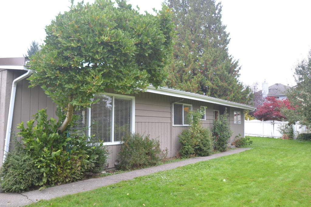 911 Vanjan St, Snohomish, WA 98290 - 3 Bed, 1 Bath Single